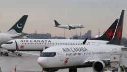Vliegtuigmaatschappij laat 'Ladies and gentlemen' vallen voor meer politiek correcte term