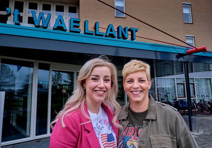 Jannie (rechts) en Melissa Engels (links) werken allebei op woonzorglocatie 't Waellant.