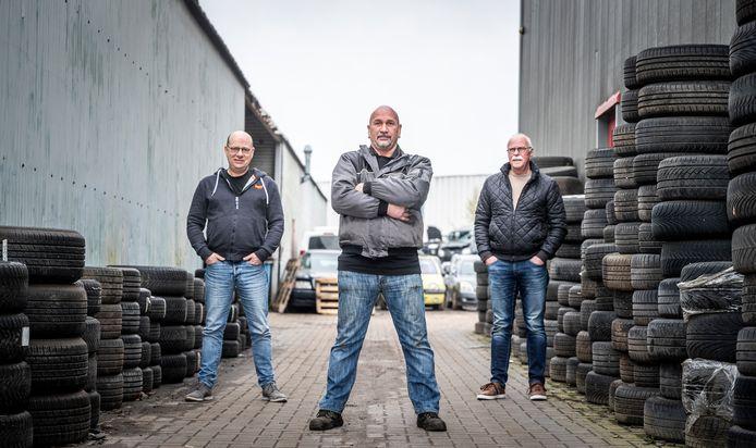 Sjef Weber (m), met links Arnold Otten en rechts Cor van Gils.
