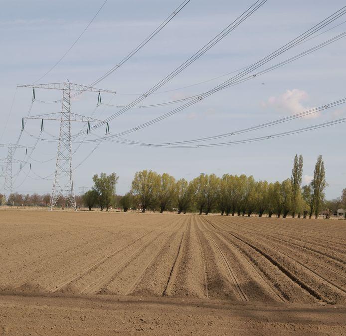 Netbeheerder TenneT wil een nieuw hoogspanningsstation bouwen in de gemeente Bergen op Zoom. Gezocht wordt naar een geschikte locatie nabij de 380kV-aansluiting in de Auvergnepolder bij Halsteren.