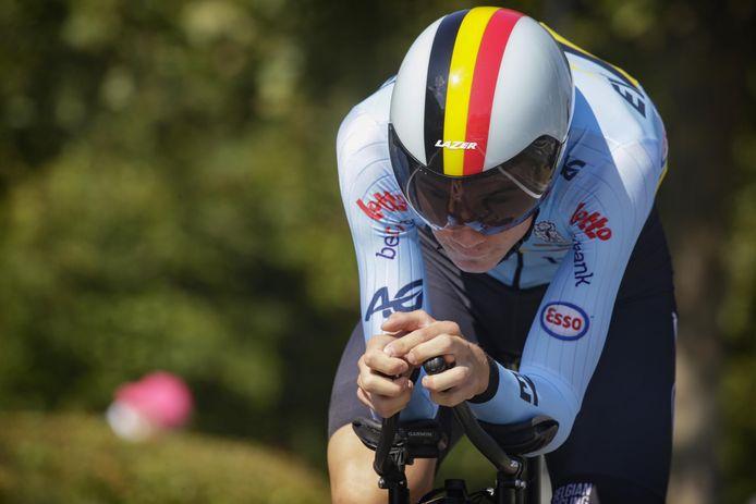 Arno Claeys vorige week in actie tijdens het EK tijdrijden in Trento: hij geraakte niet verder dan de 27ste plaats.