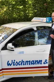 Thei Wischmann hoopt nog tot zijn 91ste rijles te mogen geven