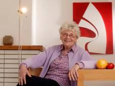 """Presentatrice Paula Semer krijgt Gentse Prijs voor de Democratie: """"Ze heeft ontzettend veel taboes doorbroken"""""""
