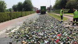 """Straat in De Pinte ligt vol gebroken glas na foutje met truck: """"Ik dacht dat scherven geluk brachten?"""""""