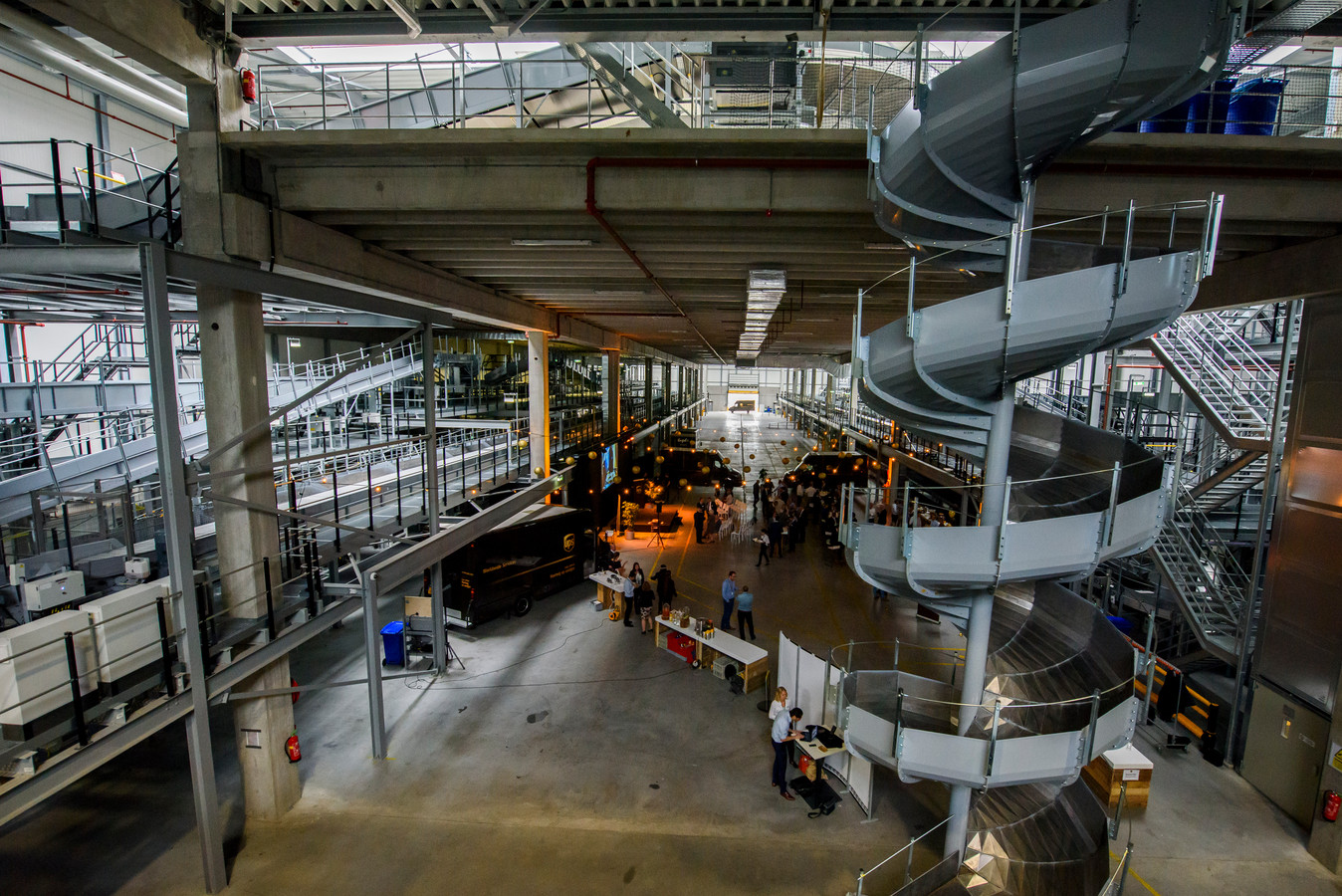 Binnenin het nieuwe distributiecentrum van UPS in Eindhoven.