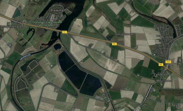 Spaarbekkens van Evides in het Braakmangebied bij Hoek.