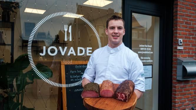 """Jochem (23) laat Waarloos kennismaken met fijne vleeswaren: """"Allemaal ambachtelijk en ter plaatse bereid"""""""
