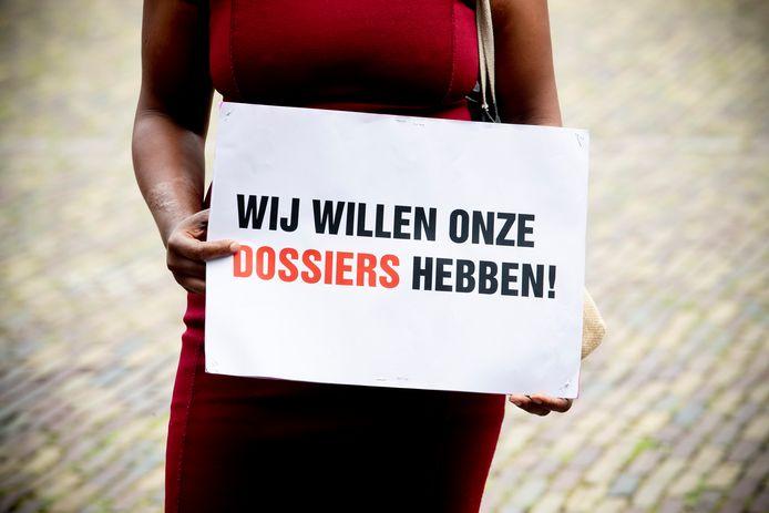 Gedupeerde ouders van de toeslagenaffaire strijden tot in politiek Den Haag voor gerechtigheid.