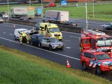 Kettingbotsing met vier auto's op de A12 bij Veenendaal: een gewonde en lange file