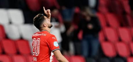Maxi Romero lost nu een ellendige situatie voor PSV op