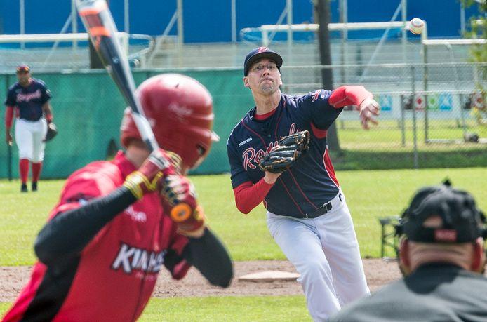 Archiefbeeld: Royals - Kinheim 2, pitcher Bart Derks van de Ven.