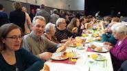 550 vrijwilligers smullen van ontbijt