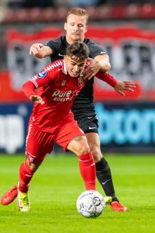 Op Playstation wilde Manfred Ugalde altijd Bryan Ruiz zijn, nu speelt hij zelf bij FC Twente