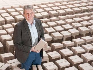 """Steenbakkerij Vande Moortel legt 2.200 zonnepanelen op dak van productiehal: """"Ze leveren 10% van onze energie"""""""
