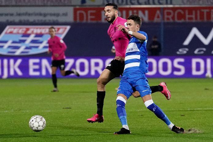21-11-2020: Voetbal: PEC Zwolle v FC Utrecht: Zwolle (L-R): Mimoun Mahi of FC Utrecht and Thomas Lam of PEC Zwolle