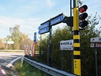 Vrachtwagen rijdt tegen brug op E314 in Holsbeek