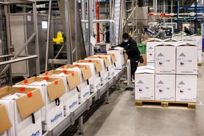 La réduction temporaire du nombre de vaccins est liée à la capacité de production des usines de Puurs et de l'entreprise allemande BioNTech (illustration).