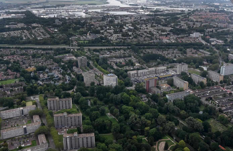 Een deel van de Dordtse wijk Sterrenburg vanuit de lucht gezien. De wijk zou een eigen wijkraad moeten krijgen, vindt een aantal Sterrenburgers.