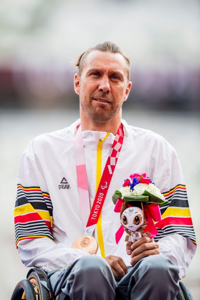 Roger Habsch a remporté une médaille de bronze sur 200m (classe T51)