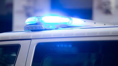Brutale overval op nachtwinkel: klant met pepperspray bespoten, uitbater met slijpschijf bedreigd