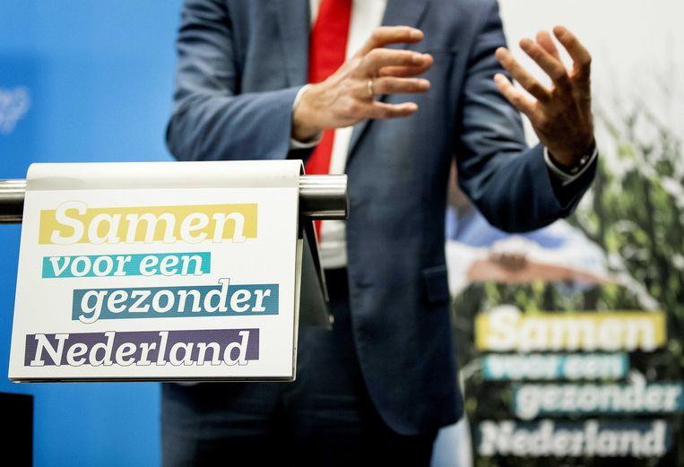 Staatssecretaris Paul Blokhuis (volksgezondheid) geeft een toelichting op het Nationaal Preventieakkoord in 2018. Beeld ANP