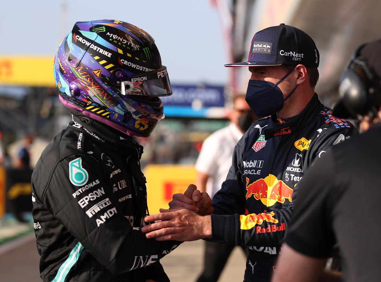 Lewis Hamilton en Max Verstappen afgelopen weekend op Silverstone voordat ze met elkaar in aanvaring kwamen.