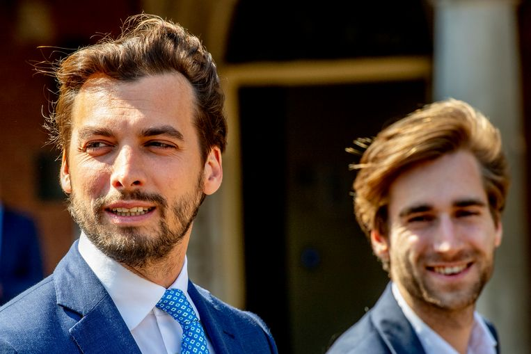 Thierry Baudet (FvD) en rechterhand Frederik Jansen.  Beeld Hollandse Hoogte / Robin Utrecht