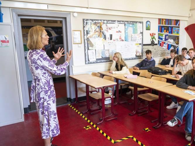 """Weyts en onderwijsveld stellen nieuwe cao voor. """"Leerkrachten krijgen meer tijd voor de essentie: lesgeven"""""""