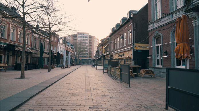 Korte Heuvel (still uit 'Blijf thuis Tilburg')