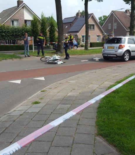 Fietser in Dedemsvaart gewond geraakt bij botsing met auto