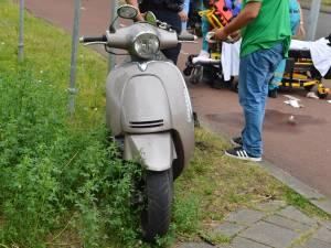 Scooterrijder raakt gewond bij botsing met auto in Breda