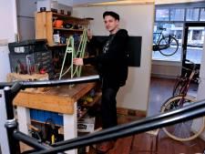 Ruud maakt nieuwe fietsen van oude en afgedankte sloopspullen