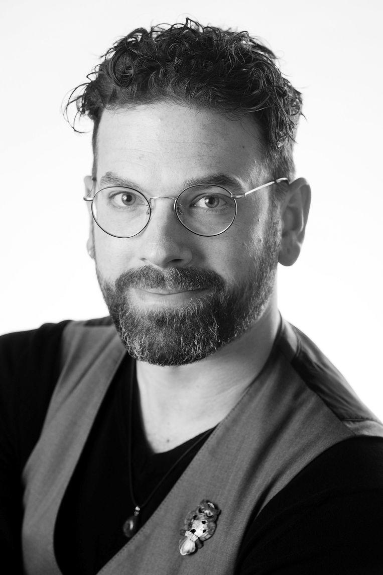 Valentijn de Heer is zorgmedewerker en schrijver van korte verhalen en columns. Beeld Bas de Meijer