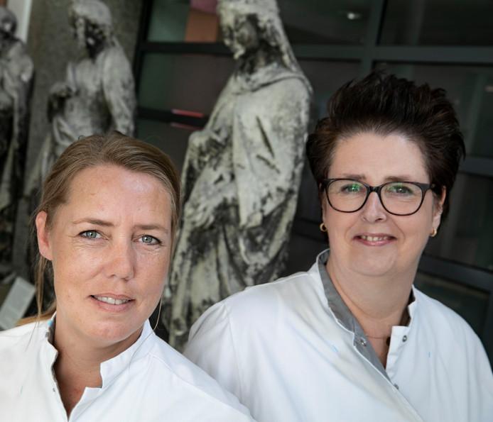 Nancy Bethbeder (l) en Annemieke Nass.