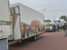 Tientallen kermistoestellen op weg van Brabant naar Den Haag: 'Collega's zijn al failliet'