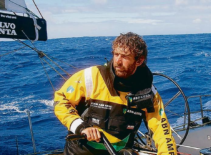 Zeiler Hans Horrevoets uit Terheijden tijdens de Volvo Ocean Race 2005-2006 op talentenboot ABN Amro II op de Noord-Atlantische Oceaan. foto: Jon Nash