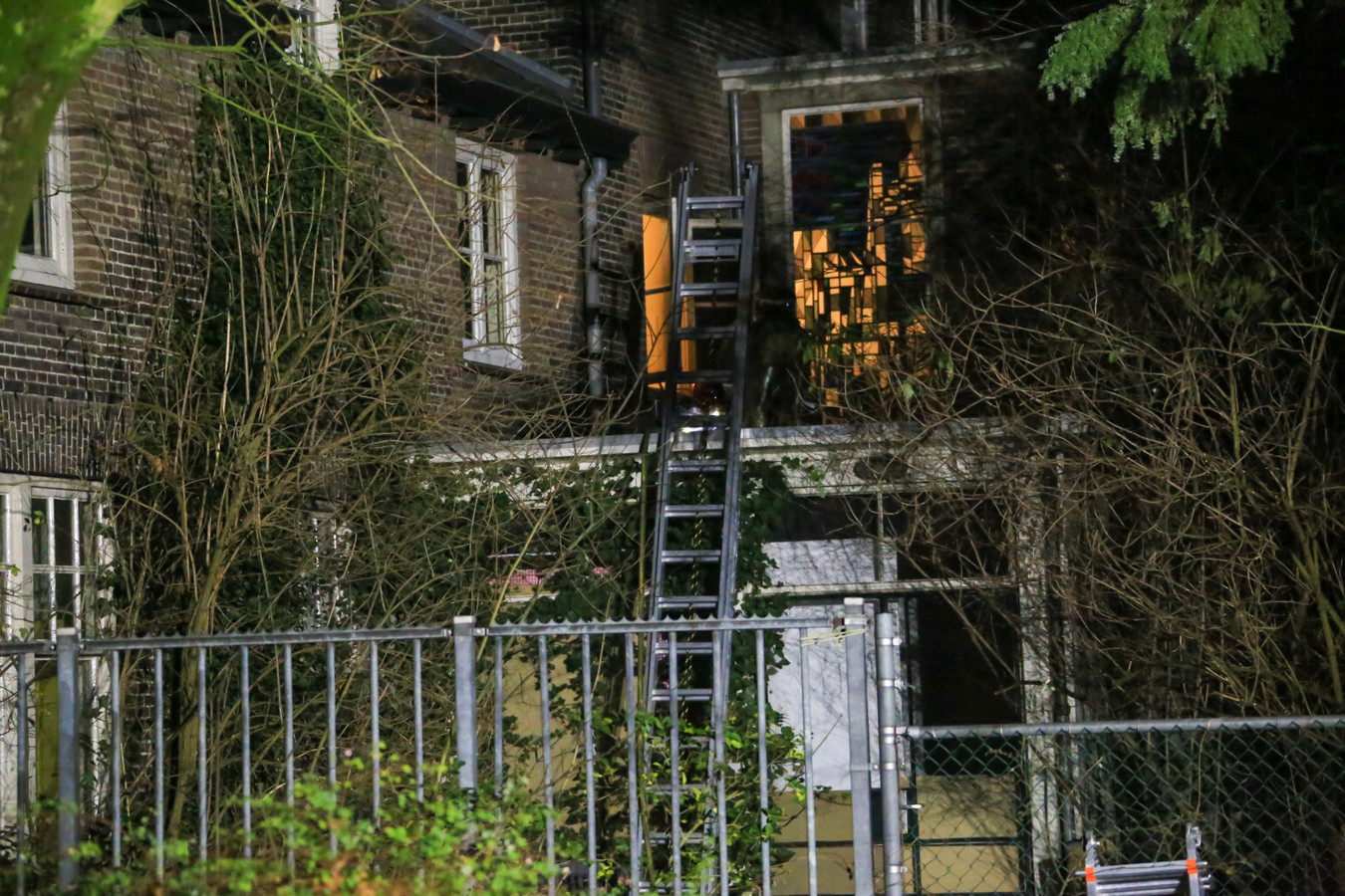Woningbrand in Helmond snel onder controle.
