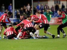 Dolle vreugde bij Jong PSV na winnende goal Schoonbrood: 'Dit is wat hij zich had voorgenomen'