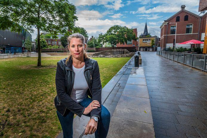 """Fractievoorzitter Yara Hummels (PvdA) maakt zich zorgen: """"Het leek alsof ik midden in een drugsdeal liep"""""""