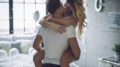 Bijzonder deken maakt seks tijdens je maandstonden makkelijker