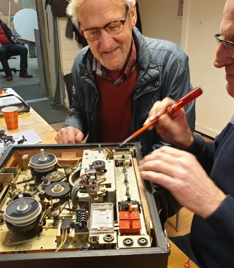 Repair Café Almelo repareert rustig verder