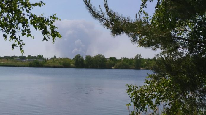 De rookpluim vanuit het Gat van Waalre.