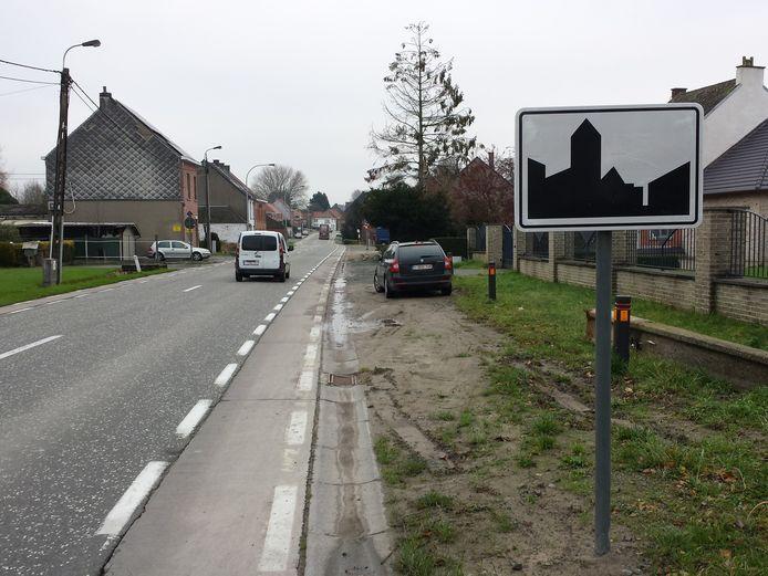 De smalle fietspaden langs de Groteweg kaderen in een groter project.