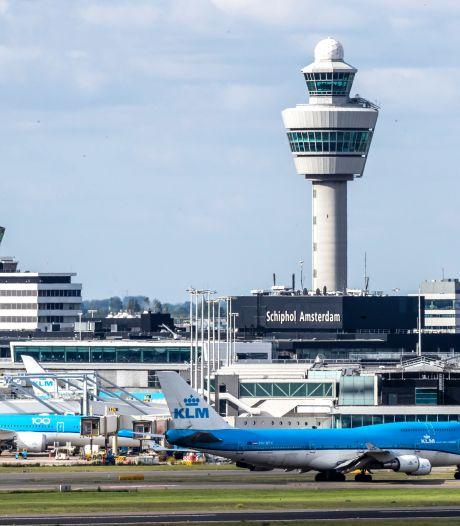 KLM kondigt juridische stappen aan tegen tariefexplosie Schiphol: 'Onredelijk en onacceptabel'