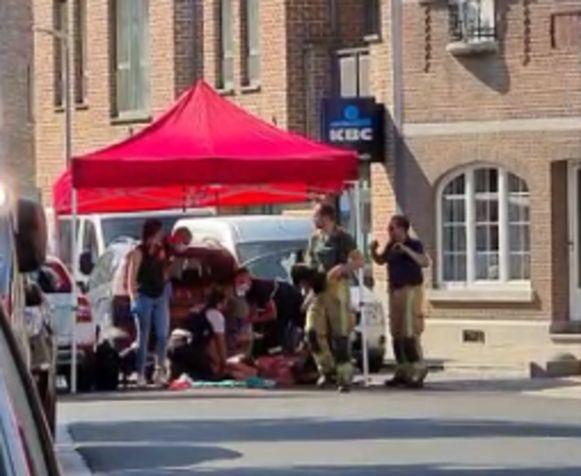 De politie schoot zaterdagmiddag in het centrum van 's Gravensvoeren een 32-jarige Duitser neer nadat die hen had beschoten.