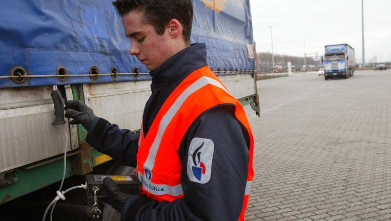 Archiefbeeld van controles tegen mensensmokkel in de haven van Zeebrugge. Beeld photo_news