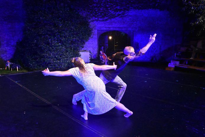 Een voorsmaakje van de voorstelling Omnetan in het Begijnhofpark