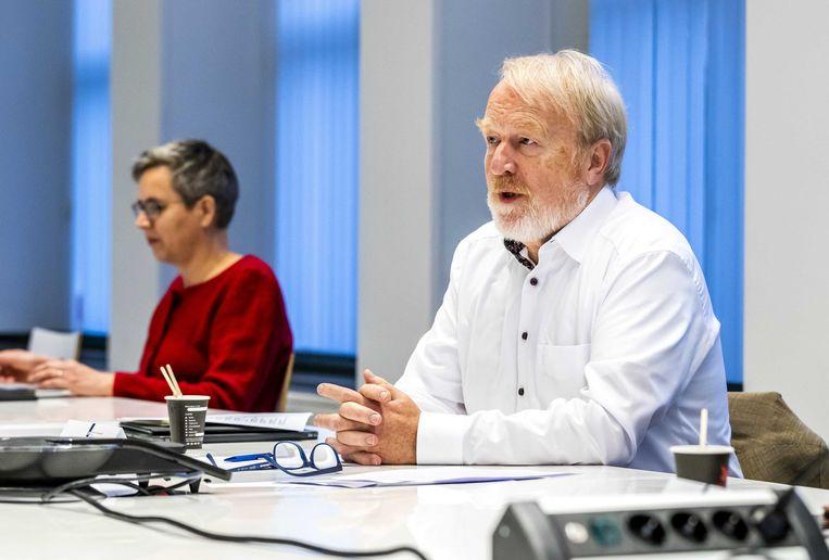 Jaap van Dissel, directeur van het Centrum Infectieziektebestrijding van het RIVM, voorafgaand aan een vergadering van het Outbreak Management Team (OMT).  Beeld ANP