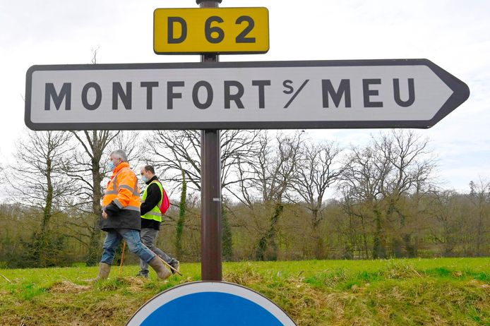 February 19: A week after the disappearance of the Magali Plant, volunteers reunite the area around Montfort-sur-Mu.