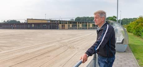 Nieuw kunstgras in Ommen: amateurvoetballers zijn af van beruchte veld 4
